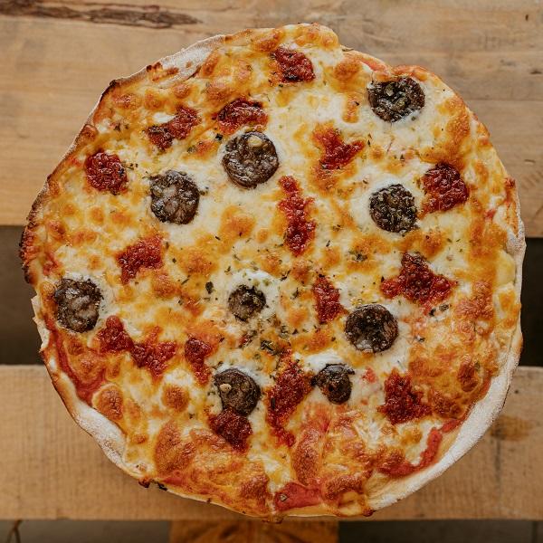 Pizza Mallorquina | Pizzería Ses Estacions, pizzas a domicilio en Palma de Mallorca
